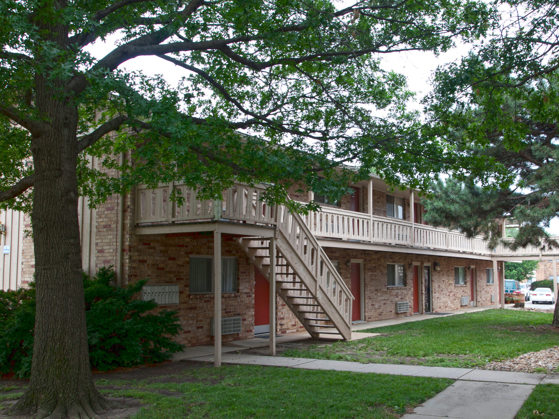 The Lodge East Apartments
